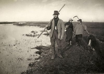 """Coming home from the marshes "" by Peter Henry Emerson, 1886"